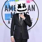 [WATCH] Marshmello and Selena Gomez perform their collab for the first time at the American Music Awards!